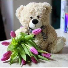9 тюльпанов и мишка